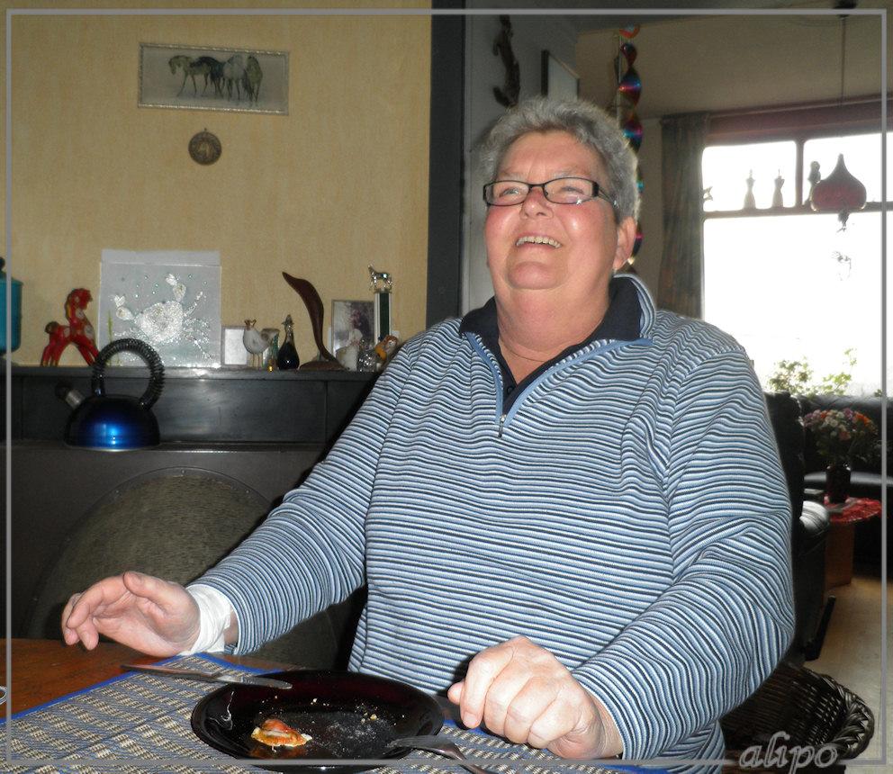 20121128 Anita OLYMPUS 9010