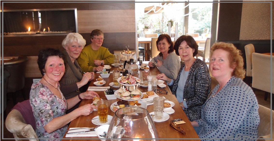 High tea: Bernadette, Yvonne, Alie, Fransje, Anneke, Anna-Marie