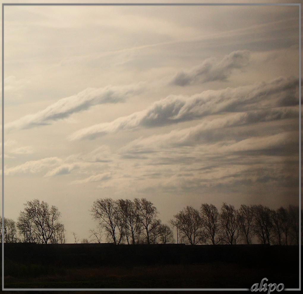 Wolken Olympus XZ1