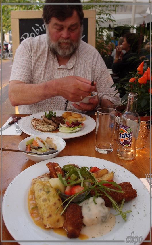 Vegetarische schotel en vleesschotel